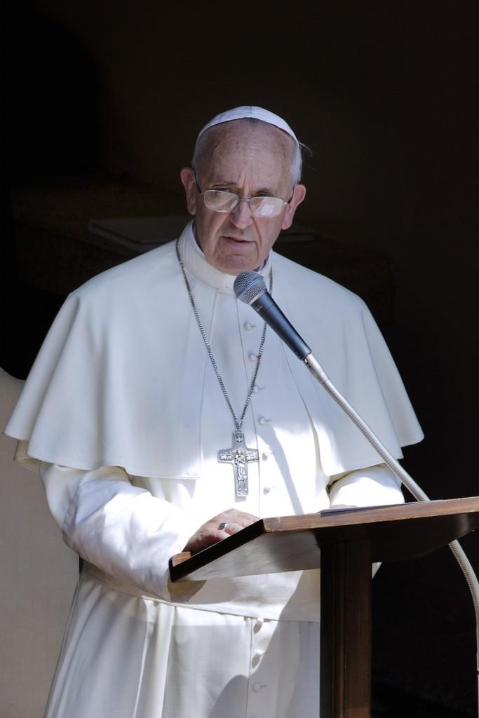 El Papa Francisco, oficiando misa de Angelus, Castel Gandolfo- Xinhua/Eidon Press/ZUMAPRESS (archivo)