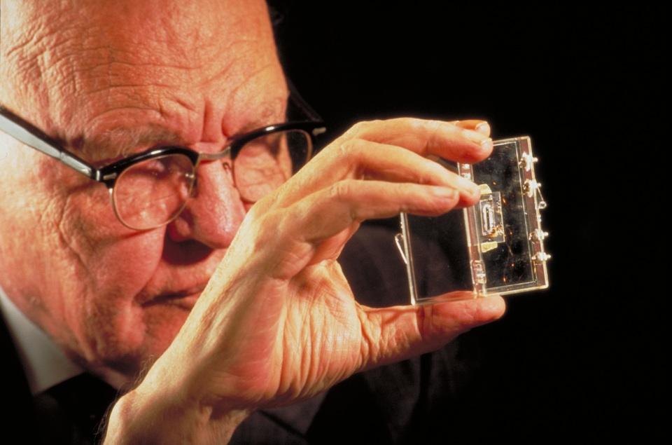 Jack St. Clair Kilby y el circuito integrado