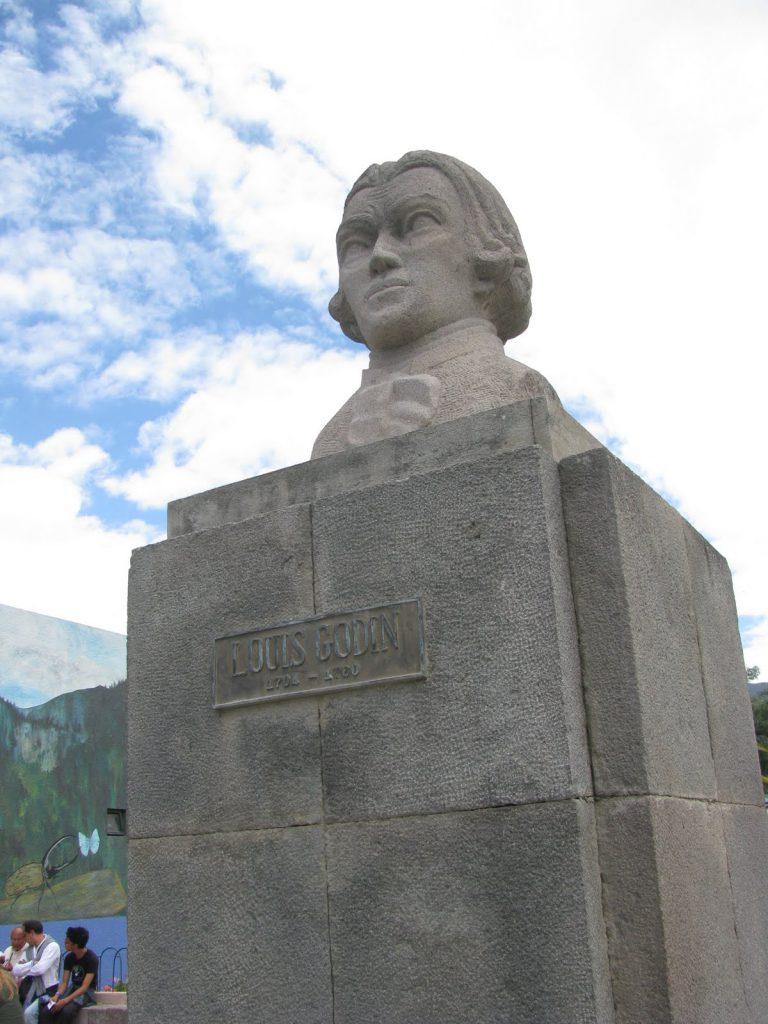 Monumento a Louis Godin, en Quito, Ecuador