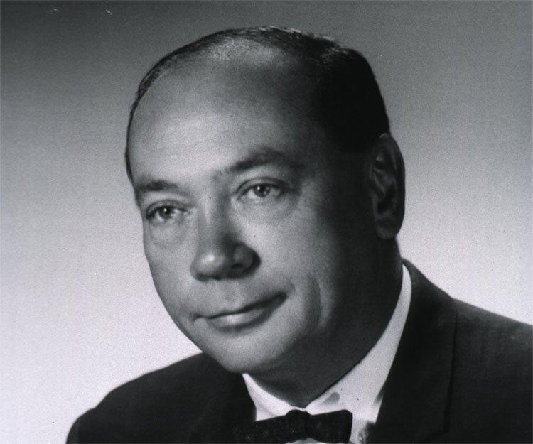 Earl W Sutherland jr