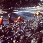 Alaska se tiñó de negro. 11 millones de galones de petróleo derramado, el 24 de marzo de 1989