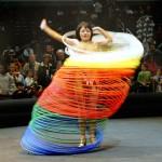 """El hula '""""hoop'"""" un juguete de miles de años, que no se pudo patentar"""