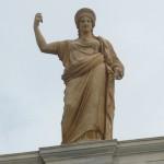 El Museo Arqueológico de Atenas reabre después de 20 meses, el 26 de junio de 2004