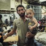 """Cada minuto, 8 personas lo dejan todo para elegir """"entre algo horrible o algo aún peor"""": Día Mundial de los Refugiados"""