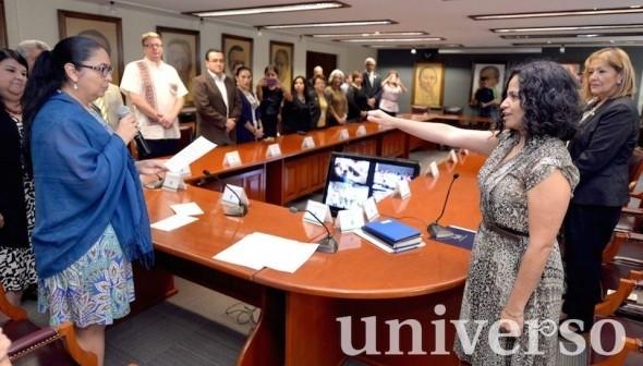 La rectora Sara Ladrón de Guevara tomó protesta a Shantal Meseguer como nueva directora de la UVI