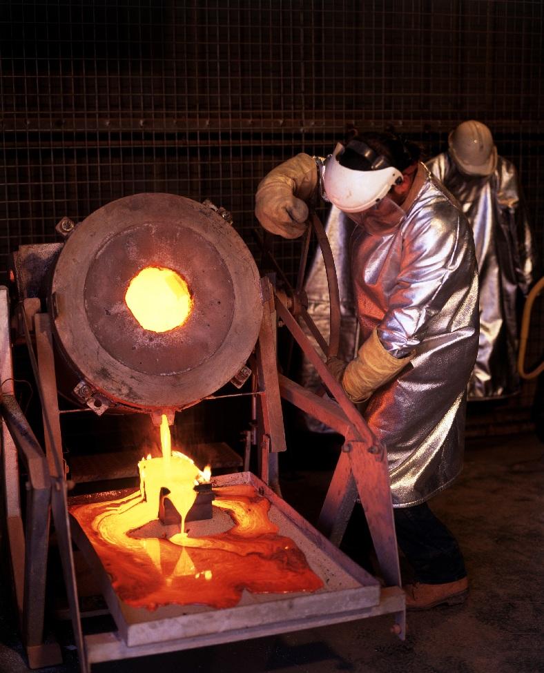 Con ayuda de bacterias, tecnólogo mexicano aumenta extracción de oro y plata