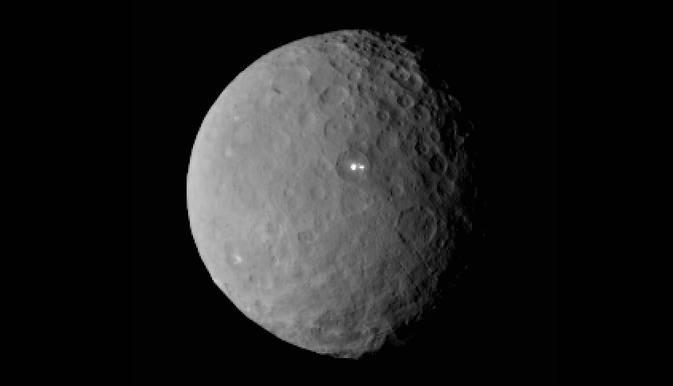 """La """"Mancha Brillante"""" de Ceres tiene una compañera más débil"""