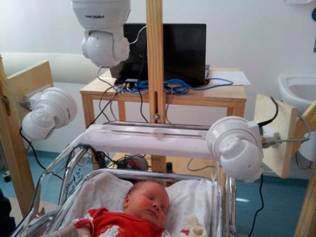 Un software detecta expresiones de dolor en recién nacidos