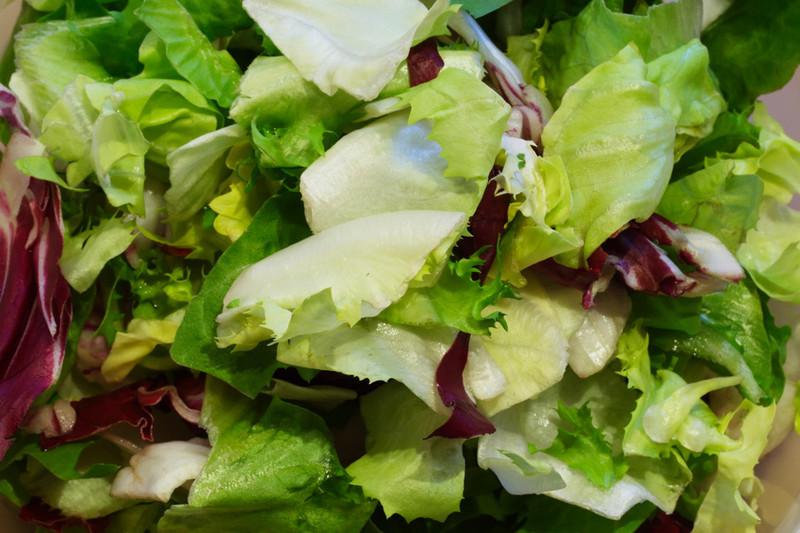 El color de las lechugas fija la velocidad de su efecto antioxidante
