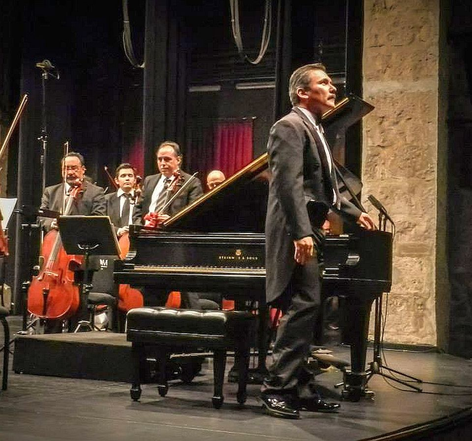 El pianista xalapeño Antonio Manzo