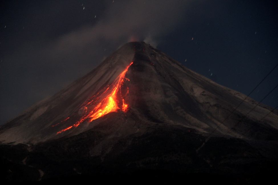 ¿Está próxima una gran erupción del volcán de Colima?