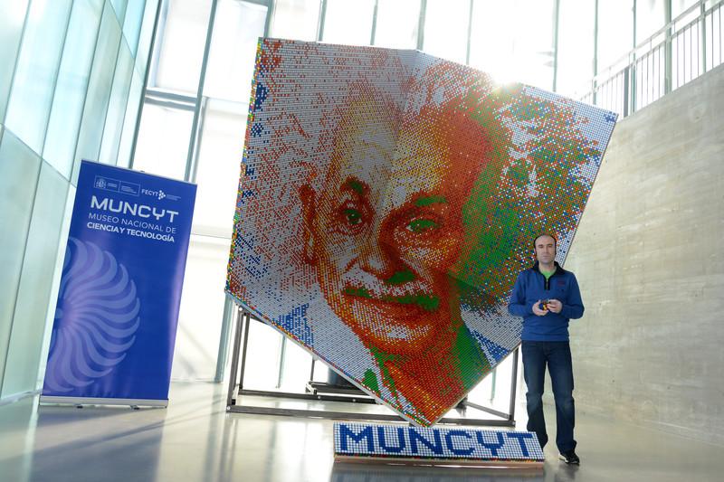 El mayor mosaico 3D hecho con cubos de Rubik en MUNCYT Coruña