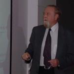 Clive Granger, Nobel de Economía 2003; revolucionó el análisis de datos y las tendencias
