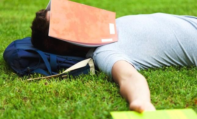 Dormir mal afecta la atención selectiva de los estudiantes