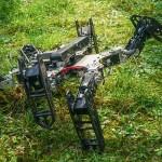Dos algoritmos permiten que un robot dañado siga funcionando