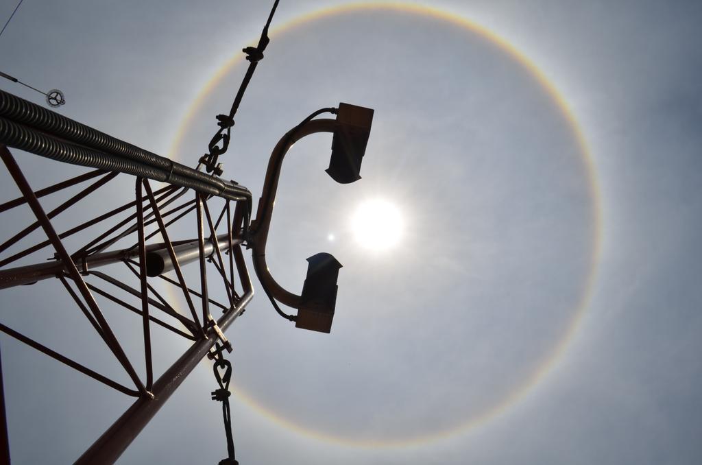 Halo solar, ciudad de Mexico, 21 de mayo de 2015- Conagua