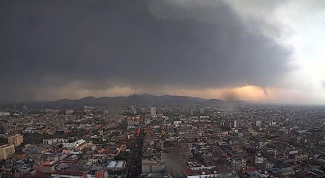 Tornados, fenómenos naturales potencialmente desastrosos