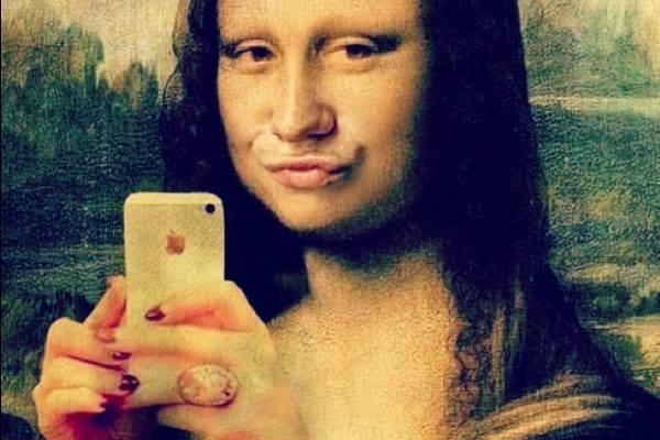 Selfie Mona Lisa