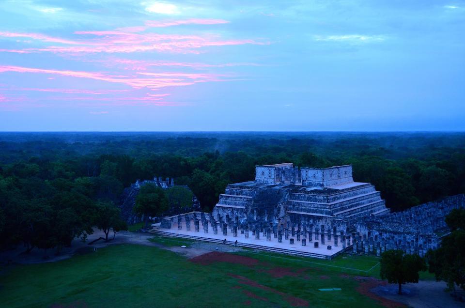 Paso cenital del sol desde El Castillo de Chichén Itzá- Melitón Tapia, INAH