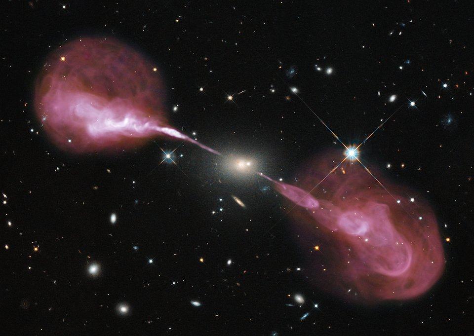 Chorros de Plasma de la Radiogalaxia Hércules A