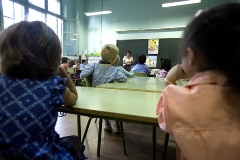Estudiantes con problemas de conducta por el ruido y la contaminación