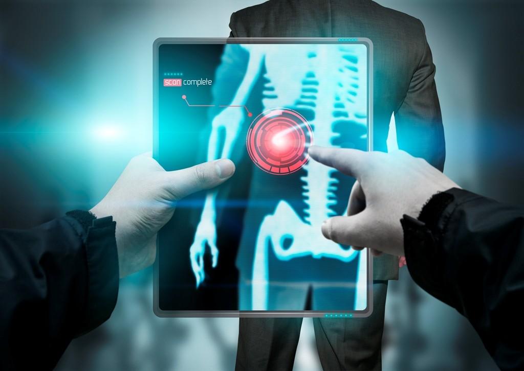 """Diseña mexicano en EU software que """"entrena"""" de manera eficaz a médicos que interpretan radiografías"""