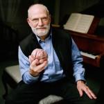 El poeta de la neurología, Oliver Sacks, quien nunca padeció una enfermedad de este tipo