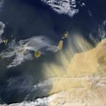 ¿Cuánto polvo atmosférico sale del desierto del Sáhara?