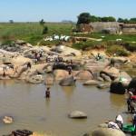 Cubal, donde el 61% de los niños tiene huevos del gusano de la esquistosomiasis, en Angola