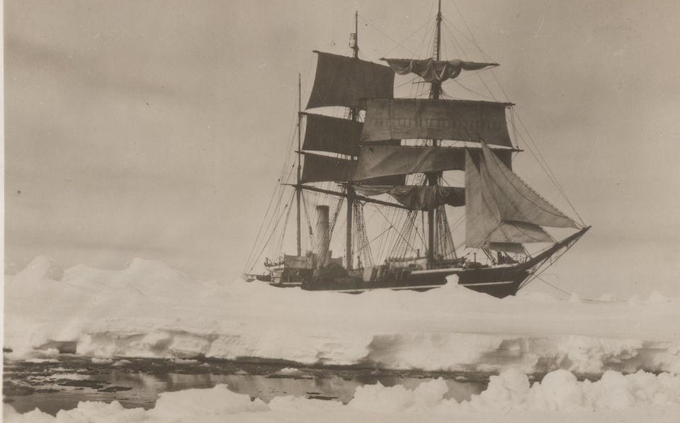 El barco Terra Nova en la Antártida en 1910, expedicion Scott
