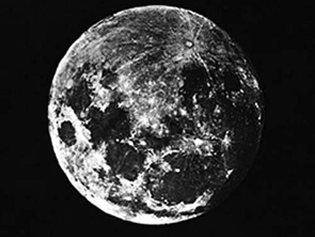 Primera fotografía de la Luna, tomada por Louis Daguerre