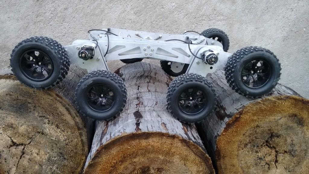 Robot rescatista de Francisco Roberto Román Hernández