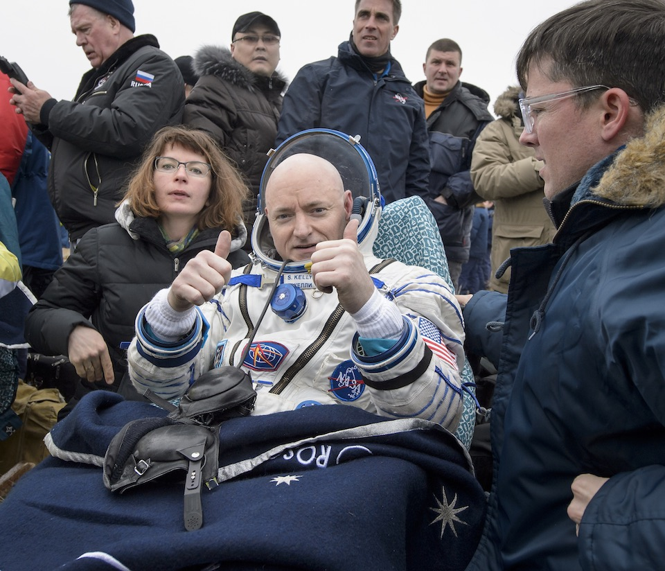 El astronauta Scott Kelly de regreso en la Tierra- NASA, Bill Ingalls