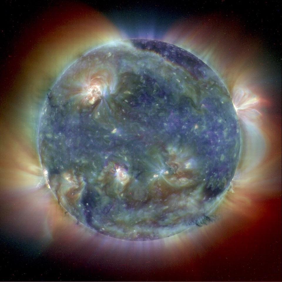 Imagen ultravioleta de la intrincada atmósfera del Sol- SOHO (ESA & NASA)