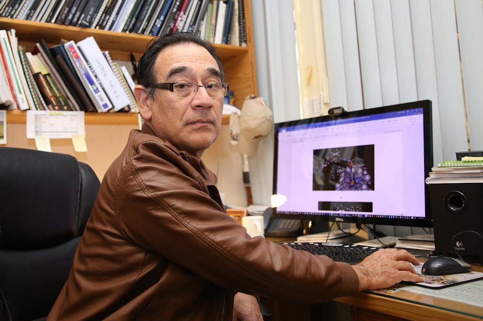 Juvencio Robles García, computación y medicinas