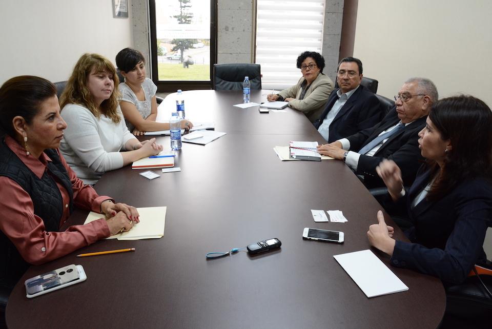 Reunión de diputados y la delegación de Canadá