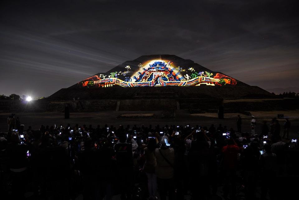 Teotihuacán, iluminación nocturna 13