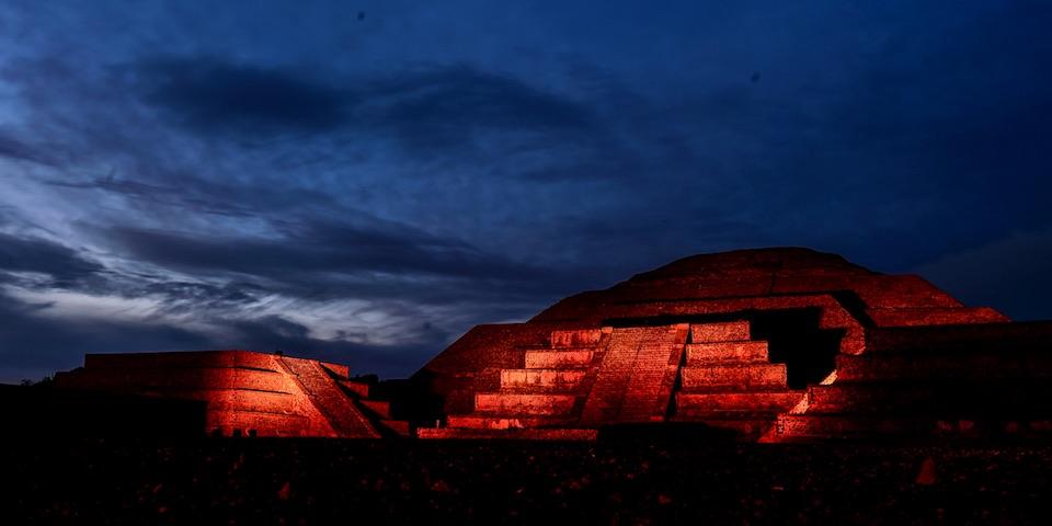 Teotihuacán, iluminación nocturna 16- JulioHdez