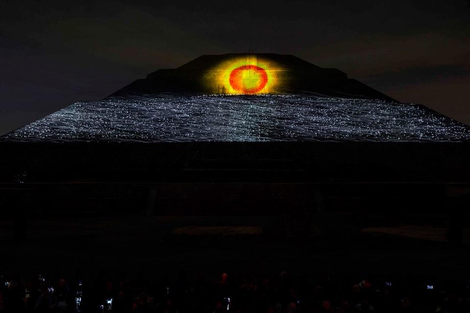 Teotihuacán, iluminación nocturna 4