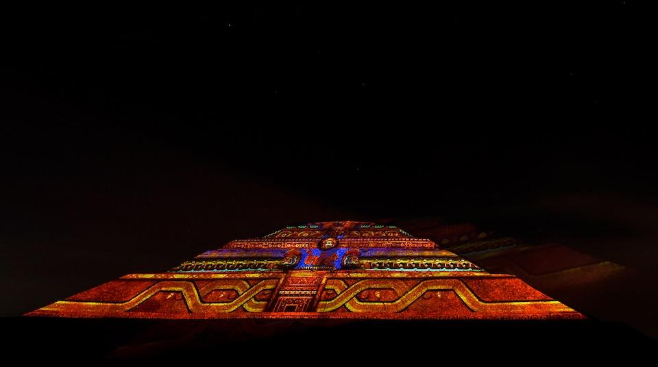 Teotihuacán, iluminación nocturna 7