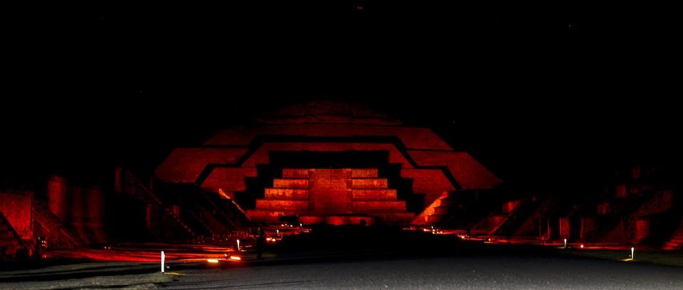 Teotihuacán, iluminación nocturna 9- JulioHdez