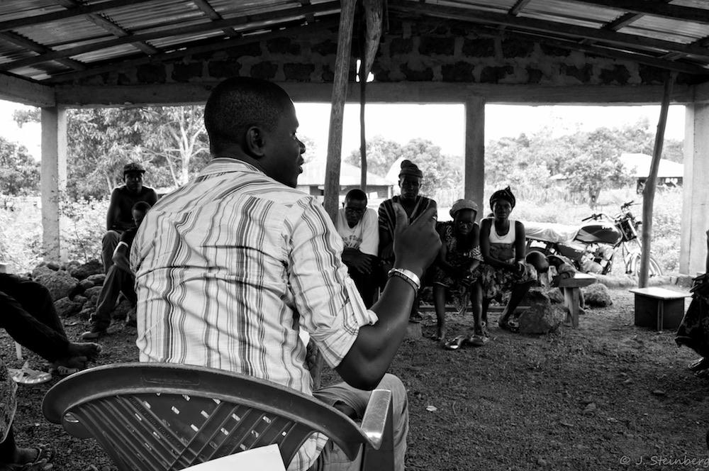 El programa Fambul Tok puso cara a cara a víctimas y verdugos de la guerra civil en Sierra Leona- Foto Jeffrey Steinberg