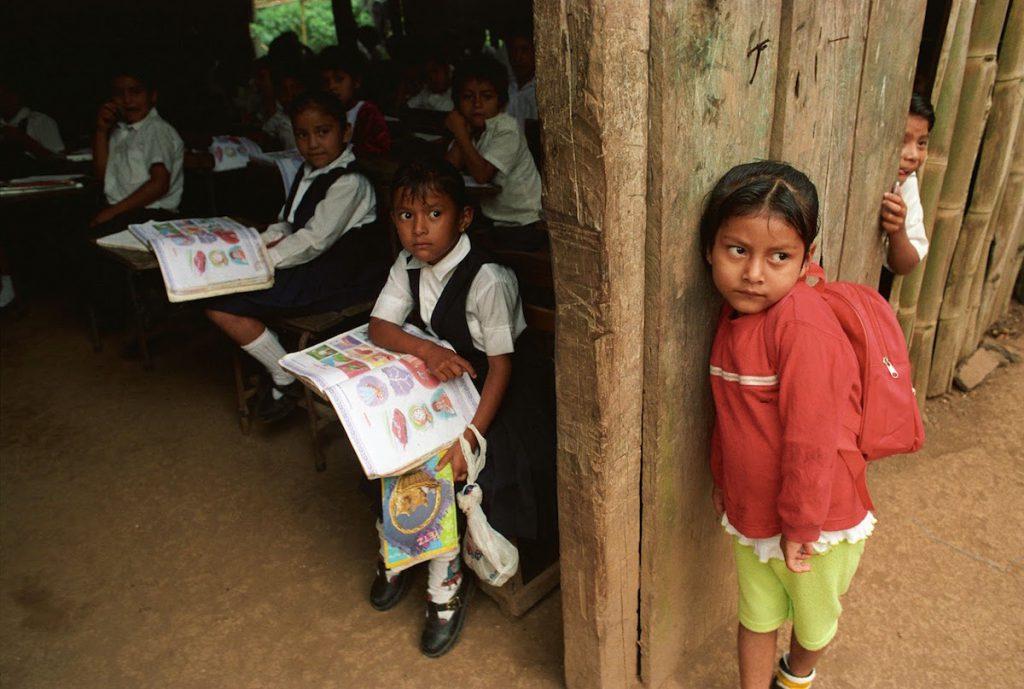 Segregación a los más pobres en las escuelas públicas de México