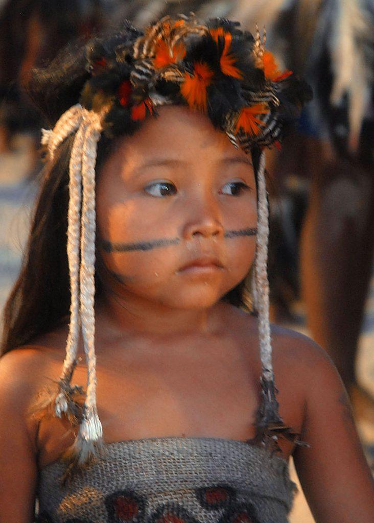 Niña de la etnia Terena, de la Amazonia de Brasil- Valter Campanato, Agencia Brasil
