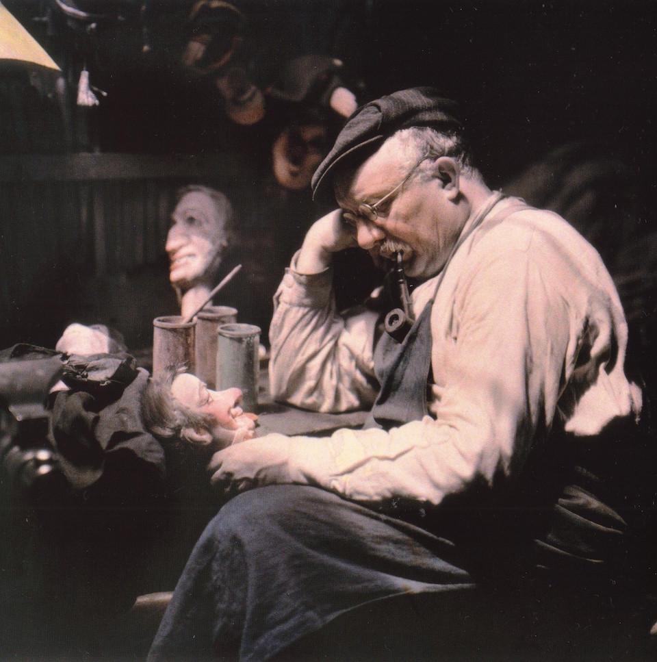 Fabricante de máscaras, fotografía en autocromo Lumière