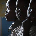 Un tercio de los niños de países en desarrollo sufre carencias psicosociales