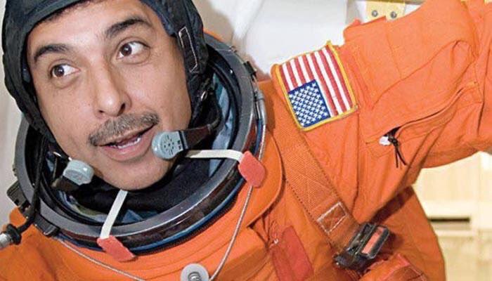 Astronauta retirado José Hernández Moreno