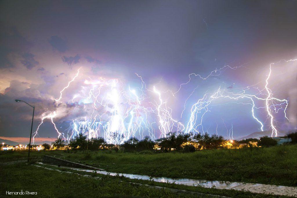 Fotografía de una tormenta- Hernando Rivera