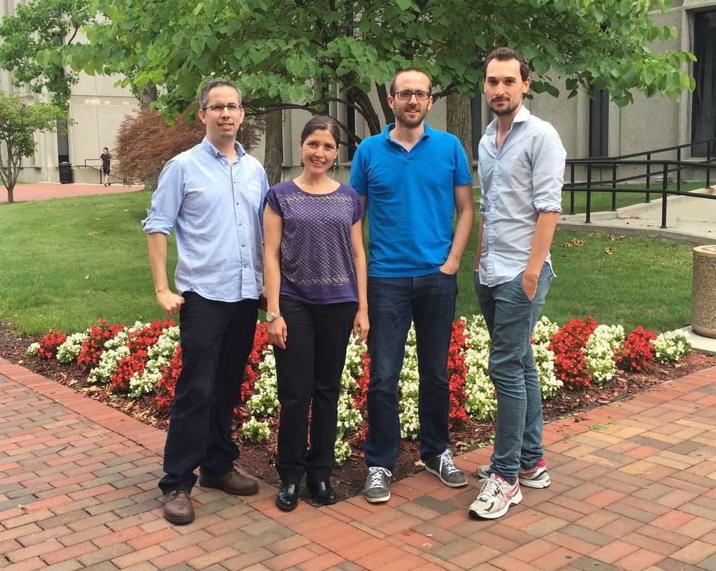 De izquierda a derecha, los doctores Juan Mena-Segovia, Icnelia Huerta-Ocampo, Miguel Valencia y Daniel Dautan, investigadores que participan en el trabajo 8Manuel Castells)