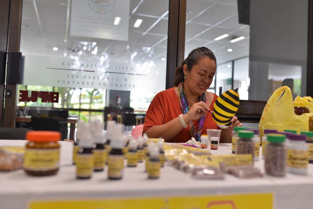 Expo-venta de productos artesanales en el Congreso del Estado de Veracruz